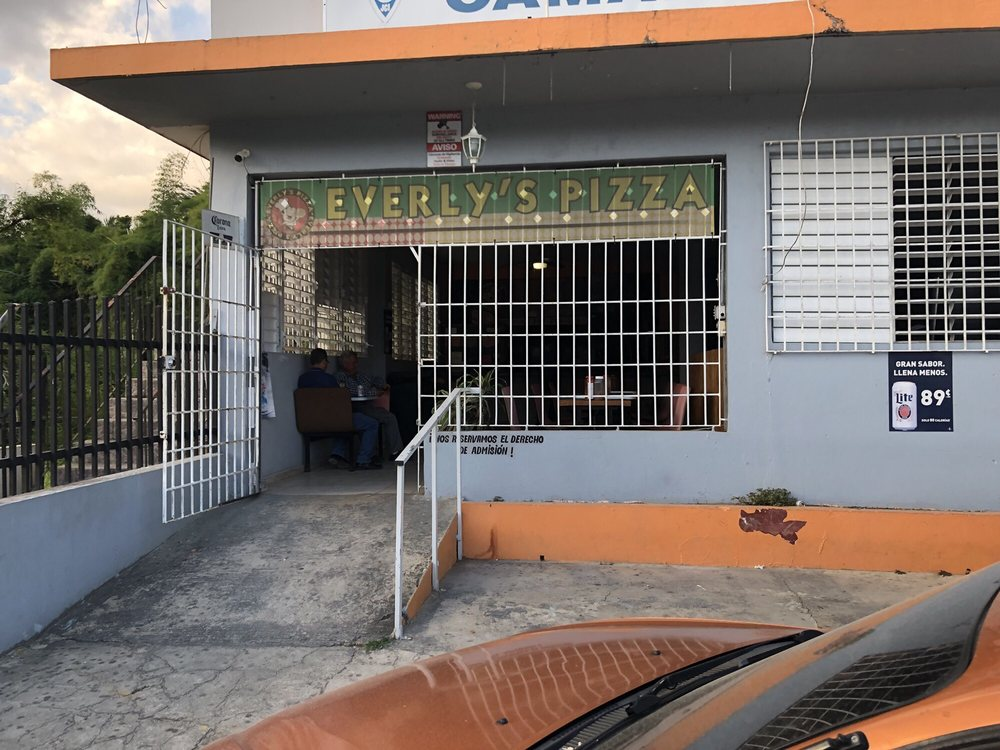 Everly's Pizza: Av. Mayor Fernando L. Ribas Dominicci S/N, Utuado, PR