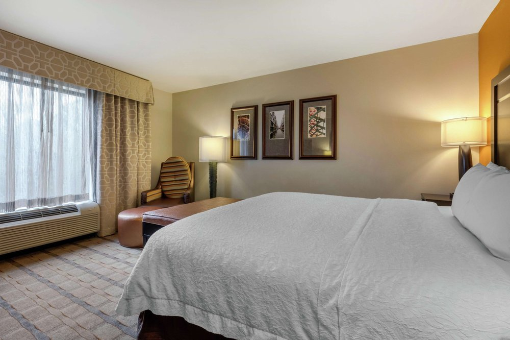 Hampton Inn & Suites Columbus: 1915 6th St N, Columbus, MS