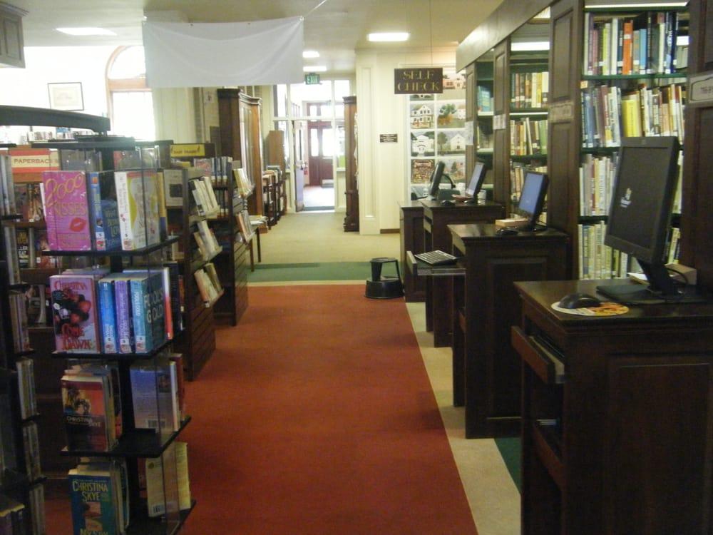 Durham Public Library: 7 Maple Ave, Durham, CT