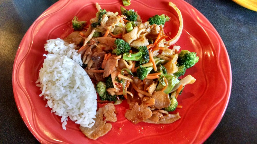 Food from HuHot Mongolian Grill