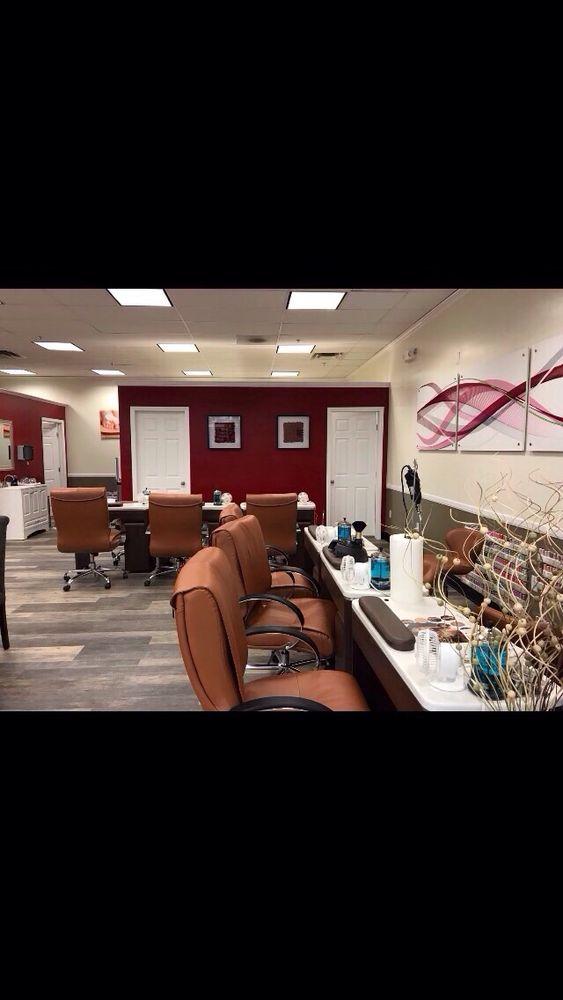 DaVi Nails: 2409 E Main St, Russellville, AR