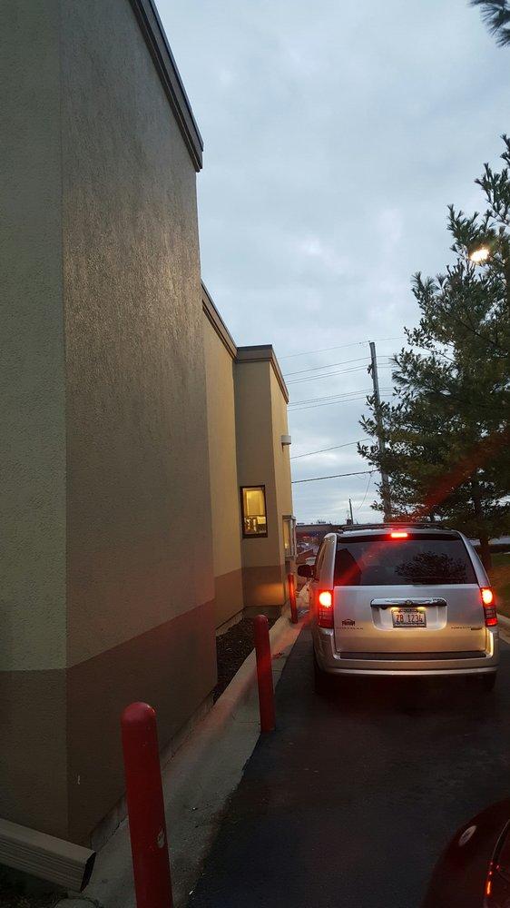 Taco Bell: 1312 North Galena Avenue, Dixon, IL