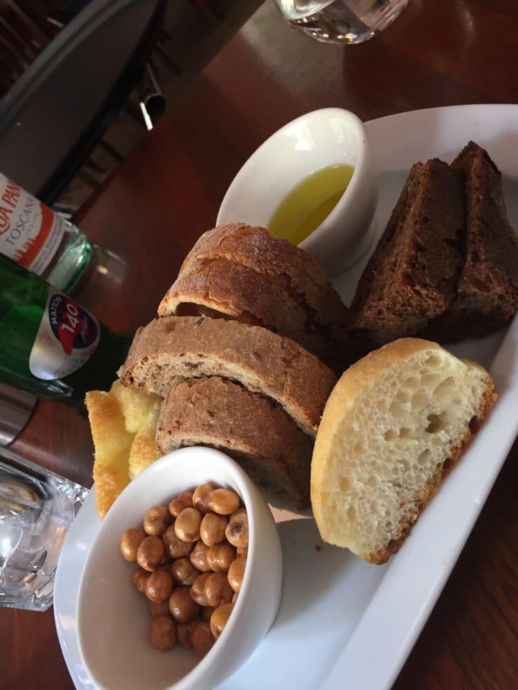 Even the bread plate looks and tastes good yelp - La finestra biz opinioni ...
