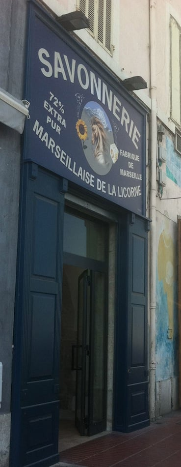 Savonnerie marseillaise de la licorne 24 quai rive for Savonnerie salon