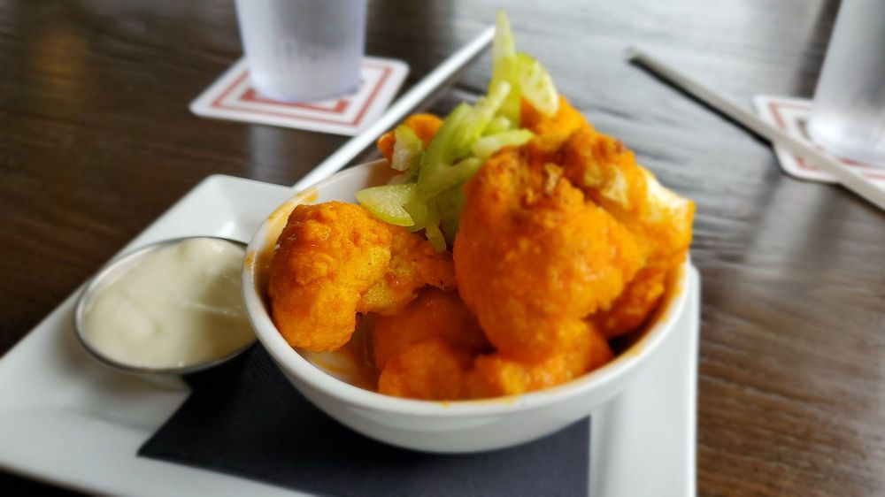 Tavern in the Square: 1 Premium Outlet Blvd, Wrentham, MA