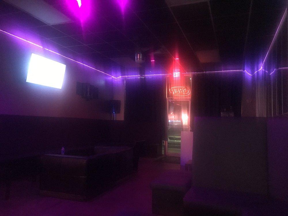 Alchemy Lounge: 5389 S Kirkman Rd, Orlando, FL