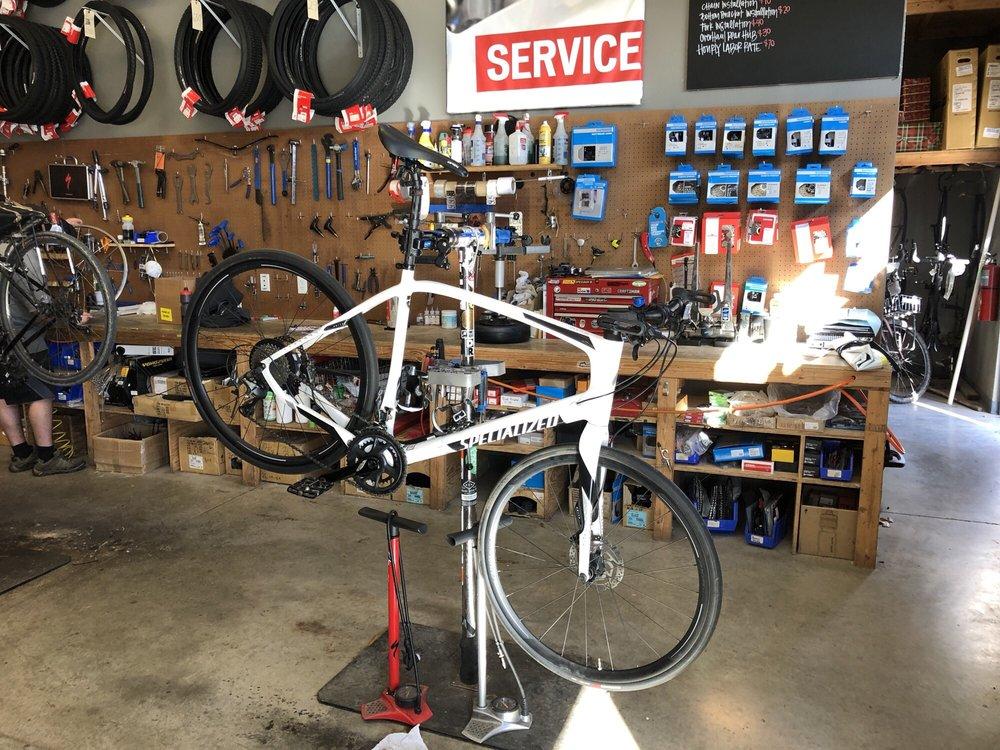 Highroller Cyclery: 402 S Metro Pkwy, Rogers, AR