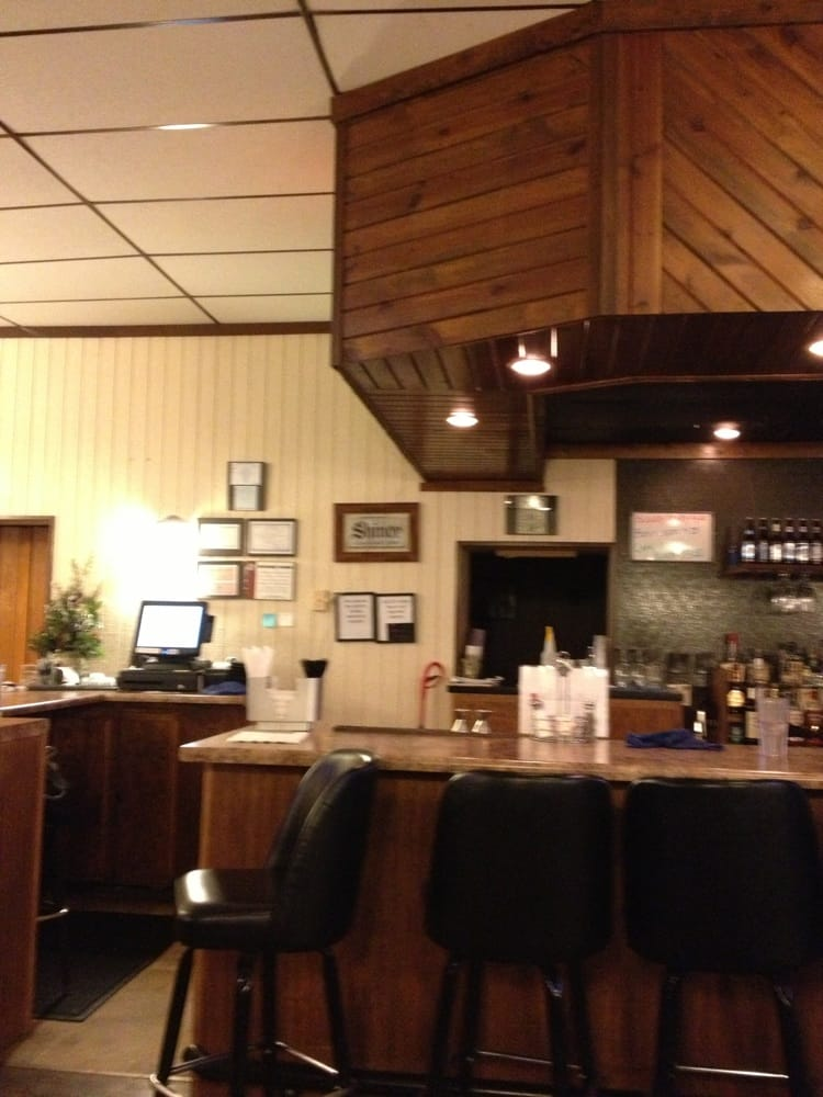 Tailwinds Steakhouse: 200 E S 2nd St, Findlay, IL