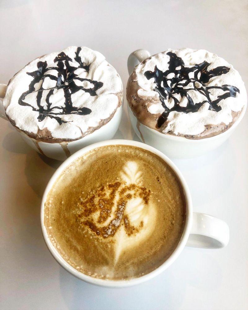 Zoe Coffee & Kitchen: 1005 E Main St, Pullman, WA