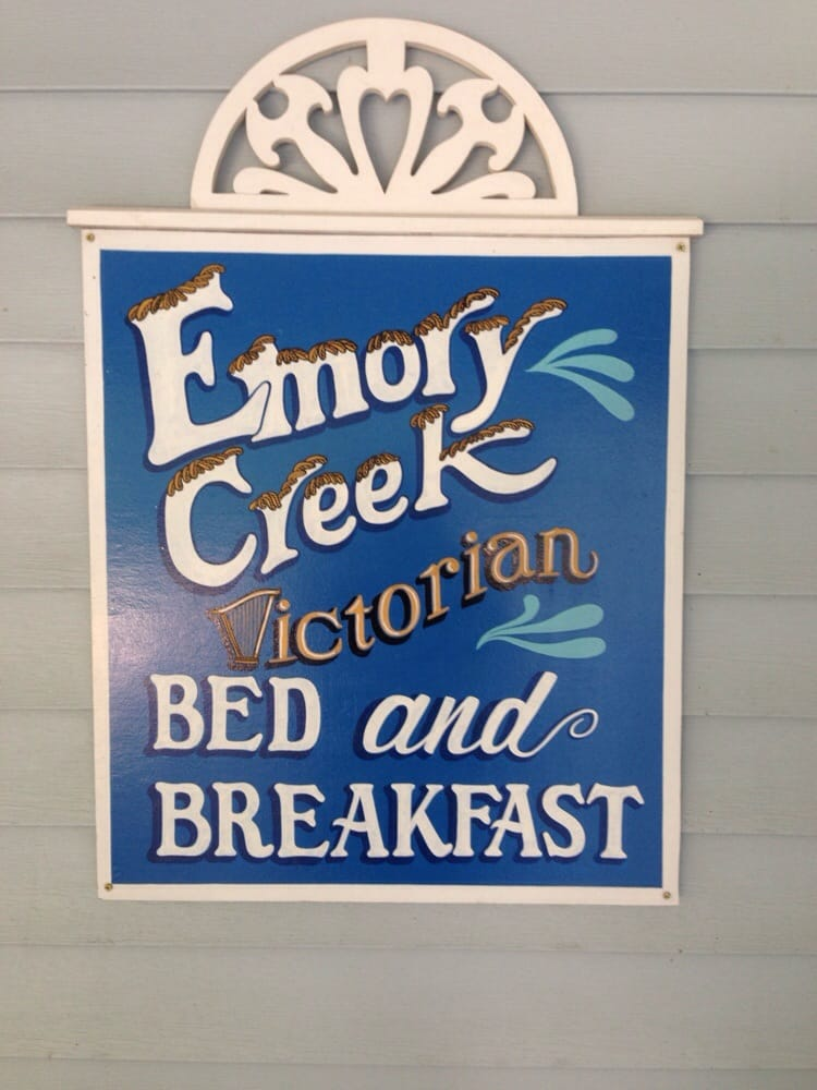 Emory Creek Victorian Bed Breakfast Branson Mo