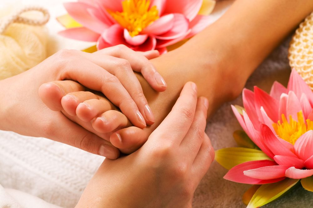 Leisure Massage: 2072 Sproul Rd, Broomall, PA