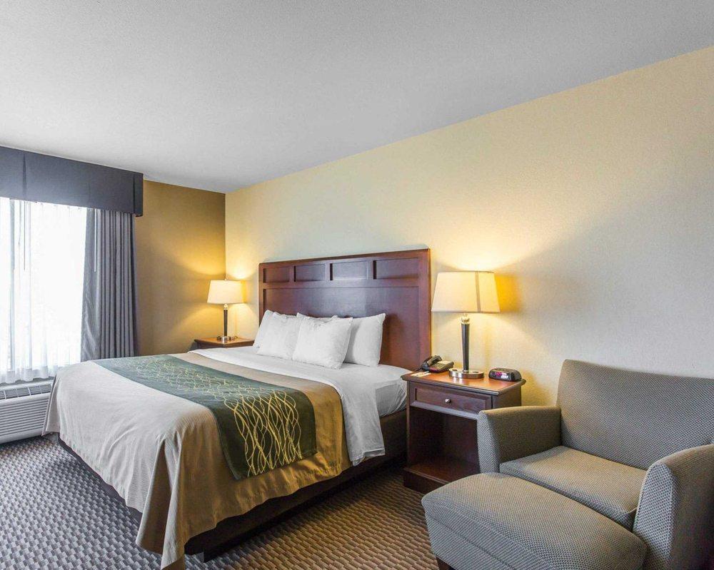 Comfort Inn & Suites: 545 Powell Drive, Madisonville, KY
