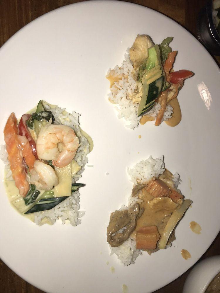 Charm Thai Cuisine: 1009 N Peachtree Pkwy, Peachtree City, GA