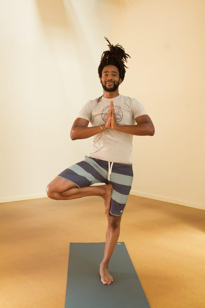modo yoga la brea