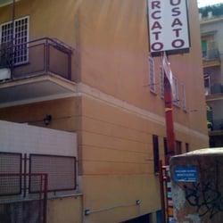 Porta portese del 2000 negozi di usato via di - Porta portese roma case ...