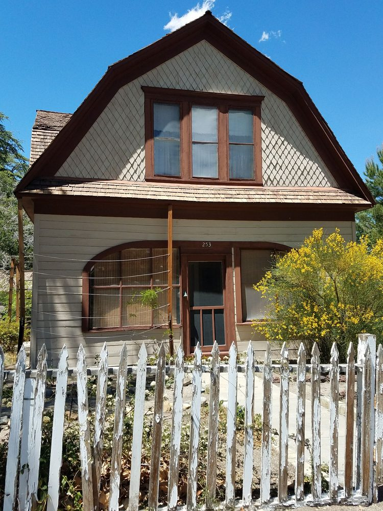 Mary Austin's Home: 253 W Market St, Independence, CA