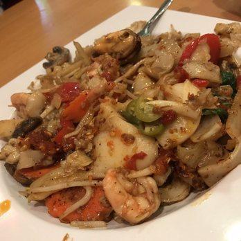 rose garden 157 photos 108 reviews thai 2825 s market st redding ca restaurant