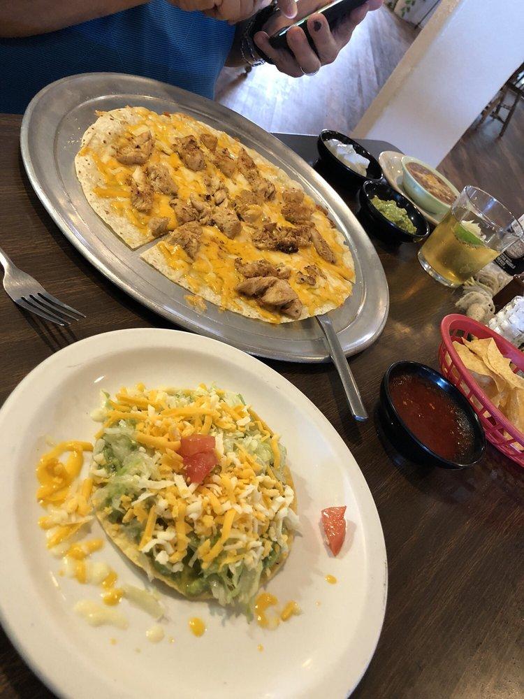 Felisa's Mexican Food & Lounge: 27948 Frontage Rd, La Junta, CO