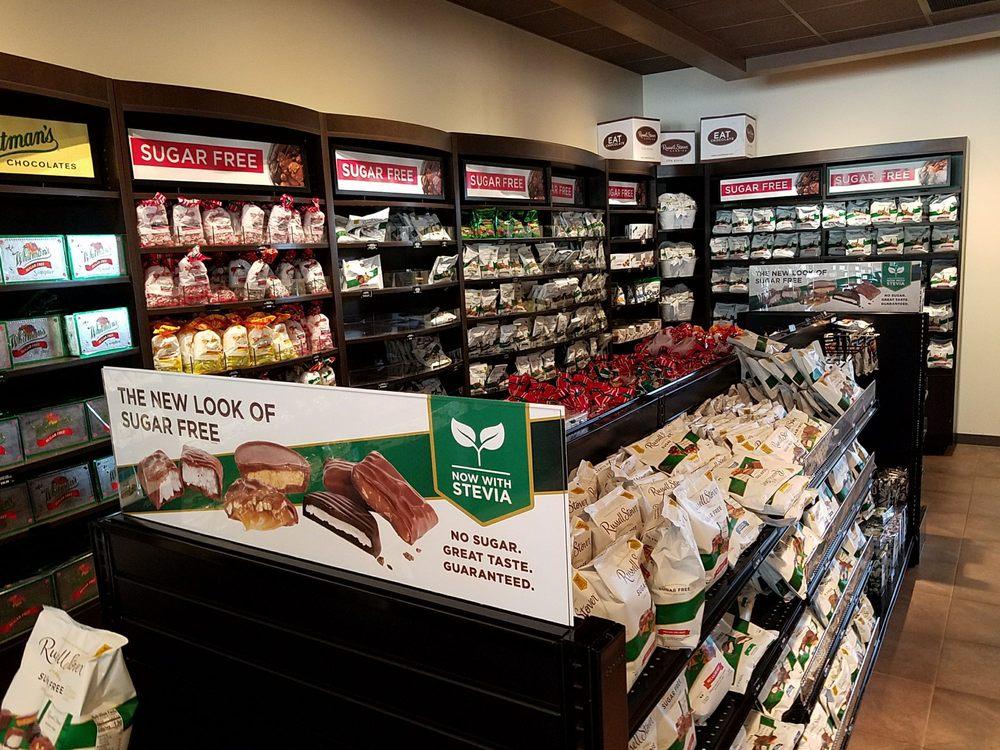 Russell Stover Chocolates: 120 Wilderness Trl, Hamburg, PA