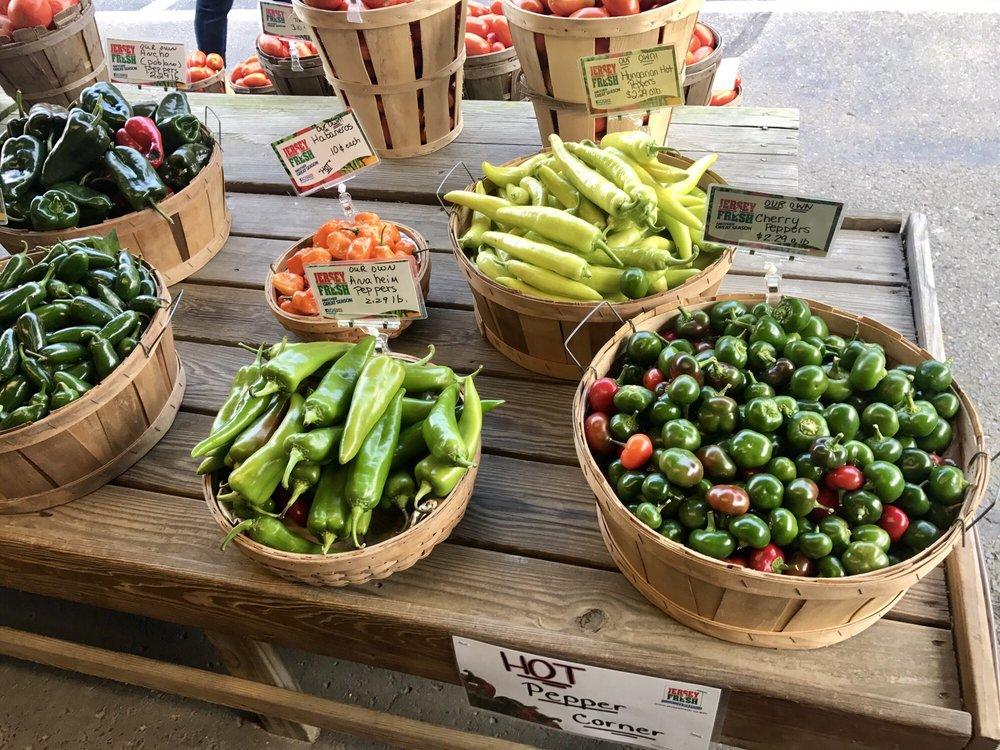 Bertuzzi's Market & Greenhouses: 831 Tuckahoe Rd, Milmay, NJ