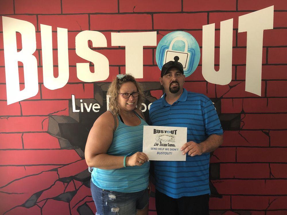 Bustout Live Escape Game: 2704 Central Ave, Bettendorf, IA