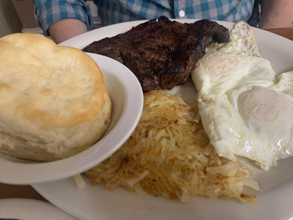 Double H Family Dining: 105 Houston St, Santa Anna, TX