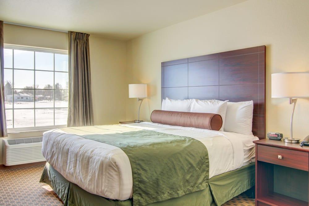 Cobblestone Inn & Suites - Steele: 623 Mitchell Ave N, Steele, ND