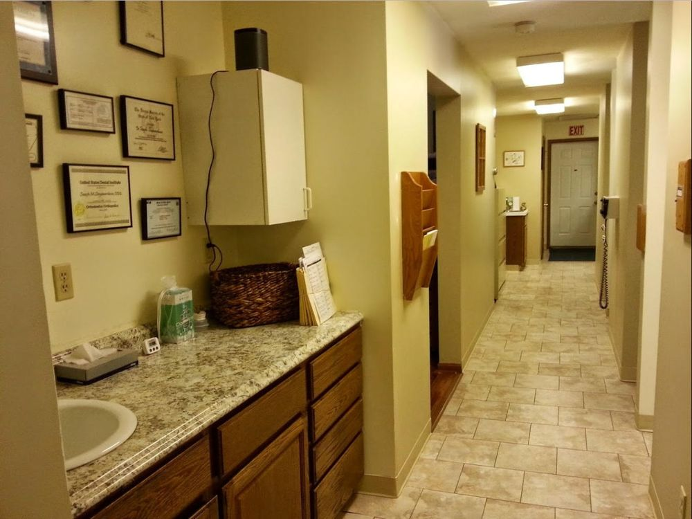 Newburgh Dental Associates: 407 Gidney Ave, Newburgh, NY