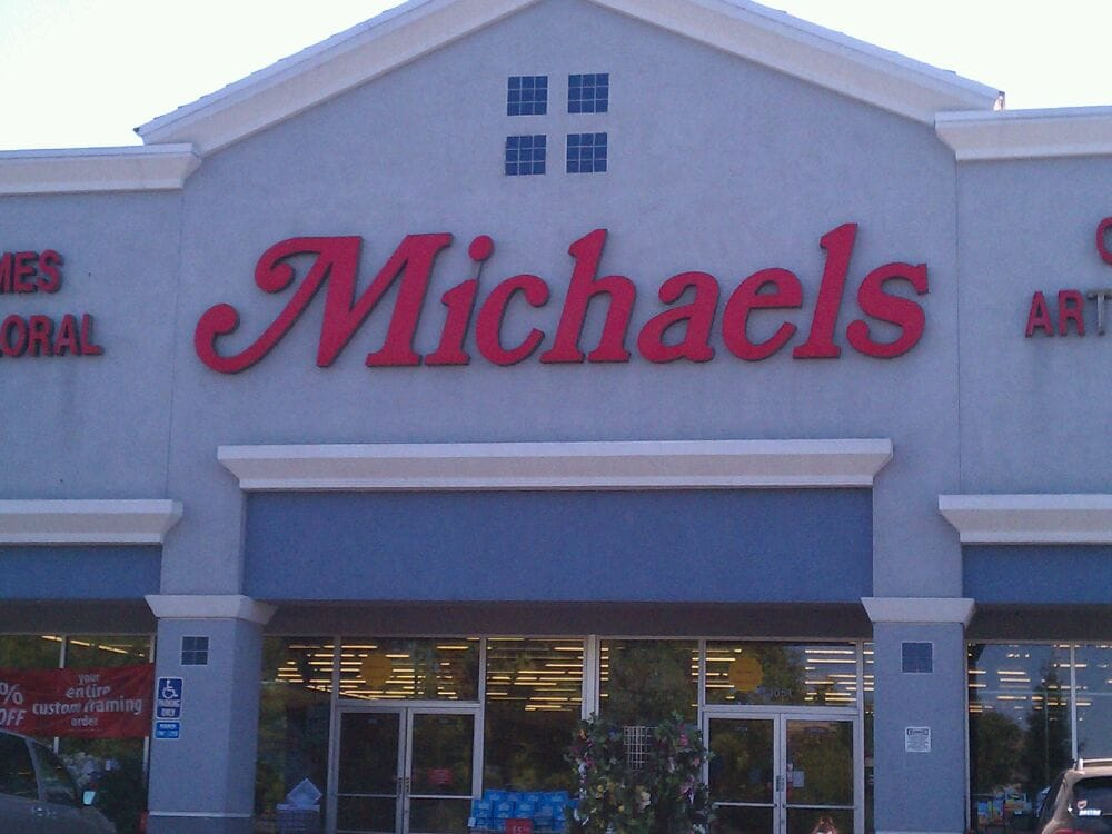 Michaels arts crafts closed 12 reviews art for Michaels craft store denver