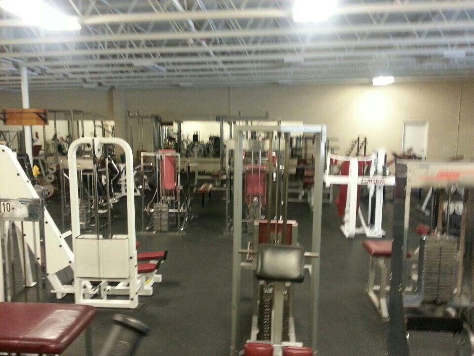 The Body Shop: 875 N Main, Willard, UT