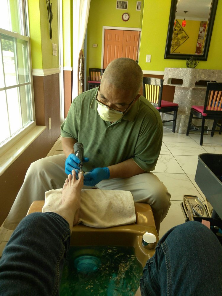 New York Nails Salon: 1201 Havendale Blvd NW, Winter Haven, FL