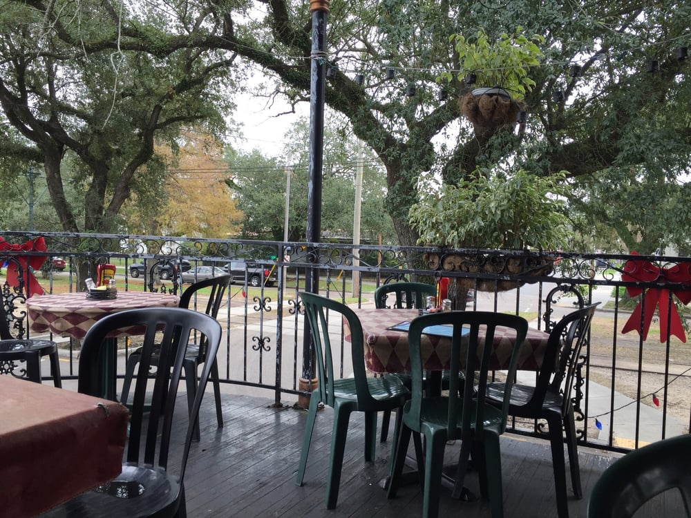 Batture restaurant replaces o henry s on carrollton ave for The balcony restaurant