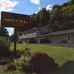 Photo Of Scenic Valley Motel Lansing Ia United States