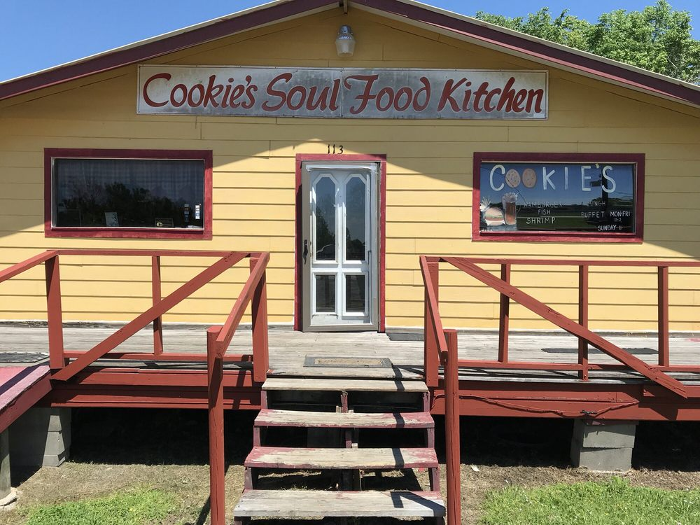 Cookie's Soul Food Kitchen: 113 Berotte St, Liberty, TX