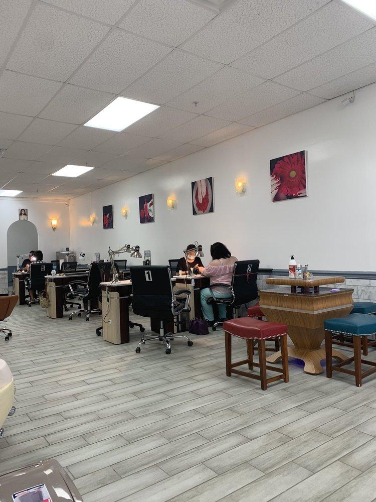 Sun N' Nails: 56 Marketplace Cir, Calera, AL