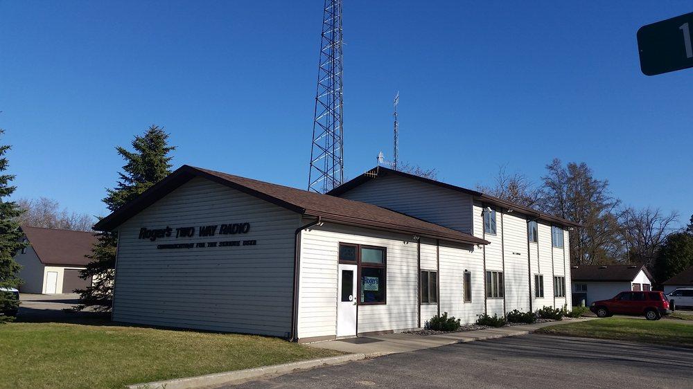Roger's Two Way Radio: 102 Lincoln Ave SE, Bemidji, MN