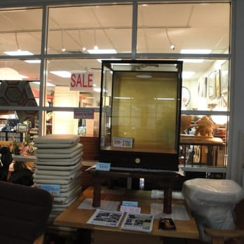 Sannaka West Furniture Stores 560 N Nimitz Hwy Kalihi Honolulu Hi Phone Number Yelp