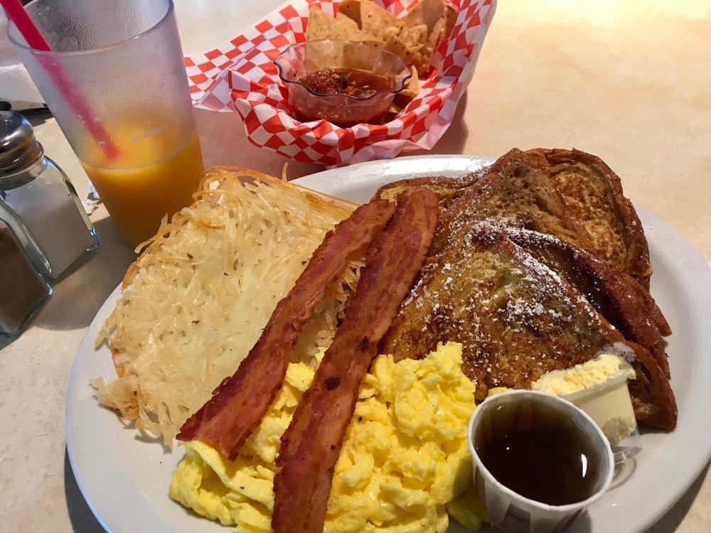 Cafe 94: 25275 Potrero Valley Rd, Potrero, CA