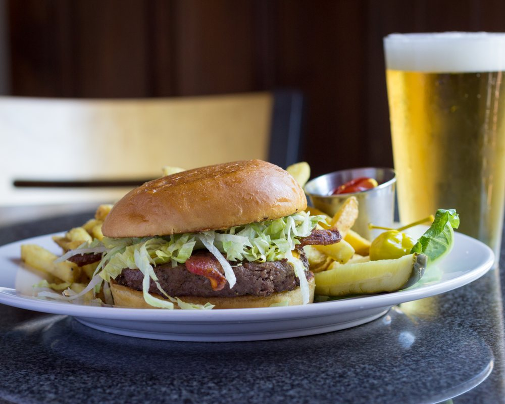 Lou's Bar at 9900: 9900 SW Canyon Rd, Portland, OR