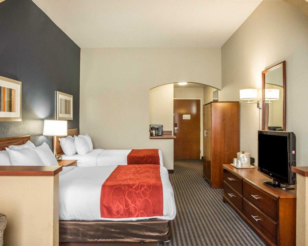 Comfort Suites: 420 Riverboat Row, Newport, KY