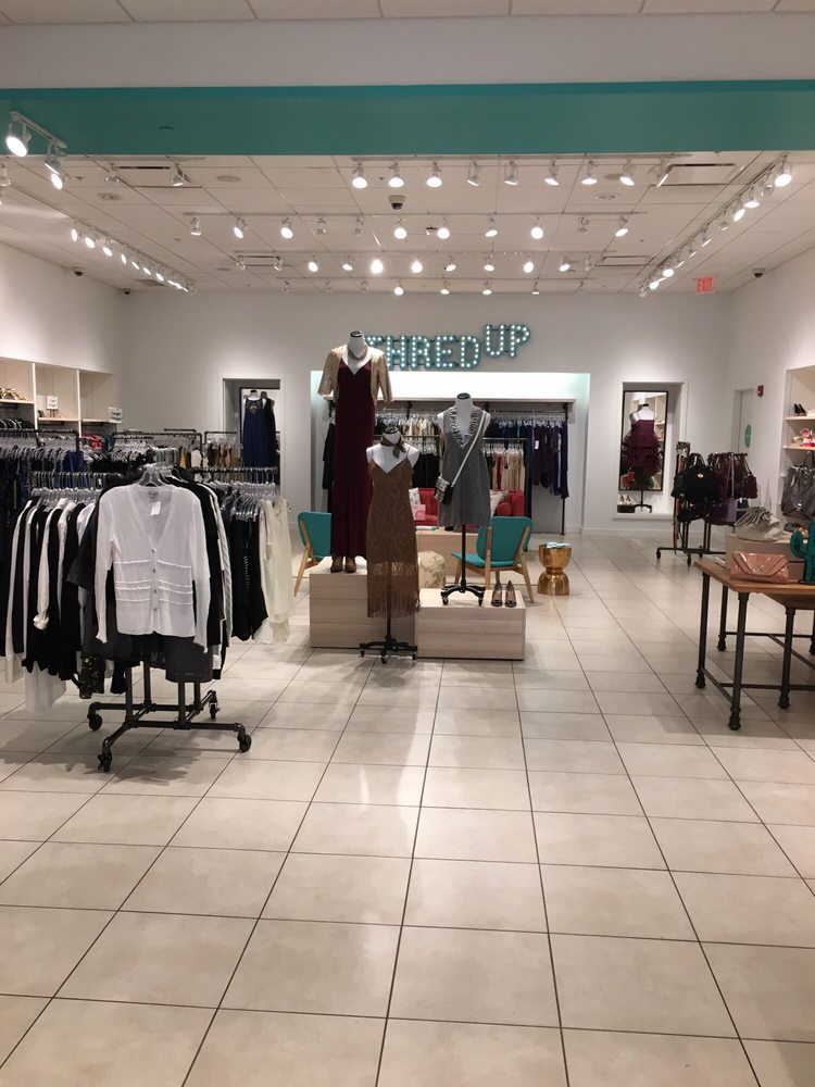 Thredup - CLOSED - 11 Photos - Women\'s Clothing - 4015 N Interstate ...