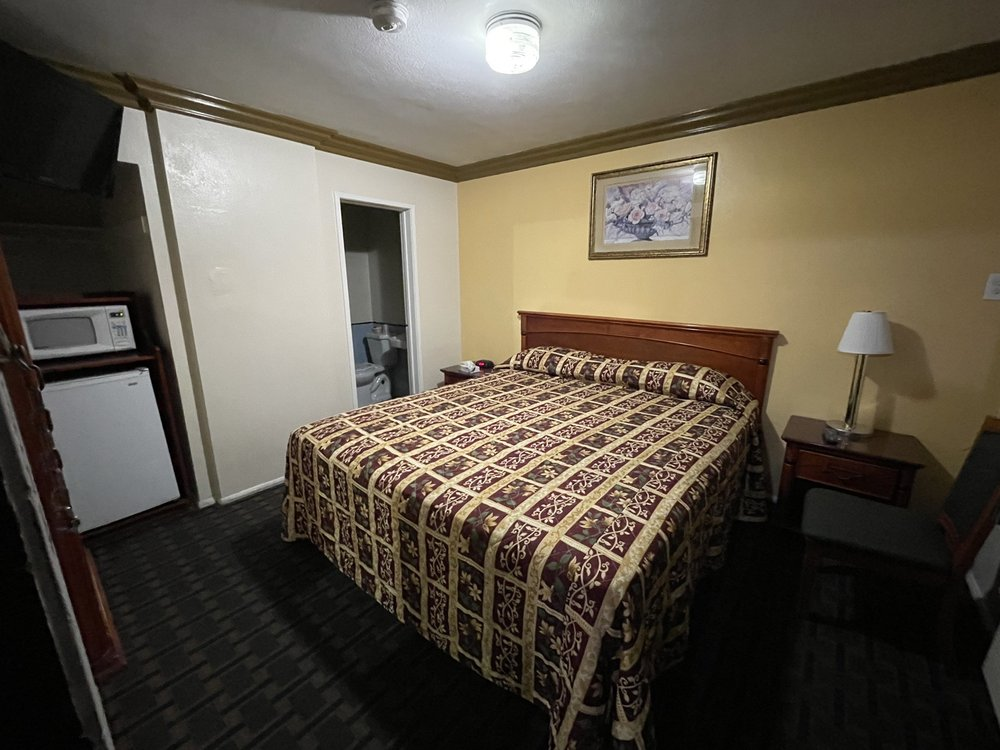 Rose Bowl Motel