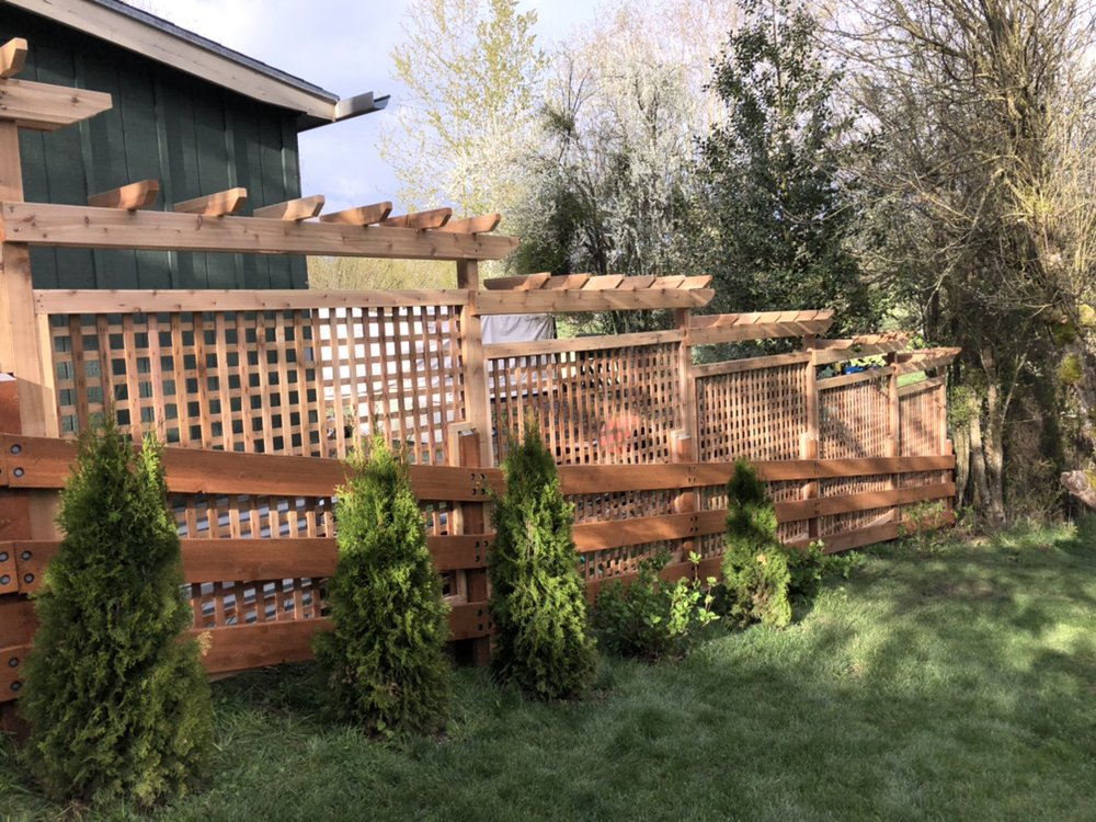Mora's Fencing & Landscaping Services