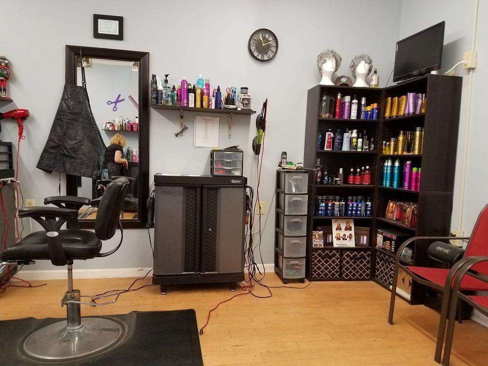 Fringe Hair and Nail Studio: 201 Northeast Blvd, Clinton, NC
