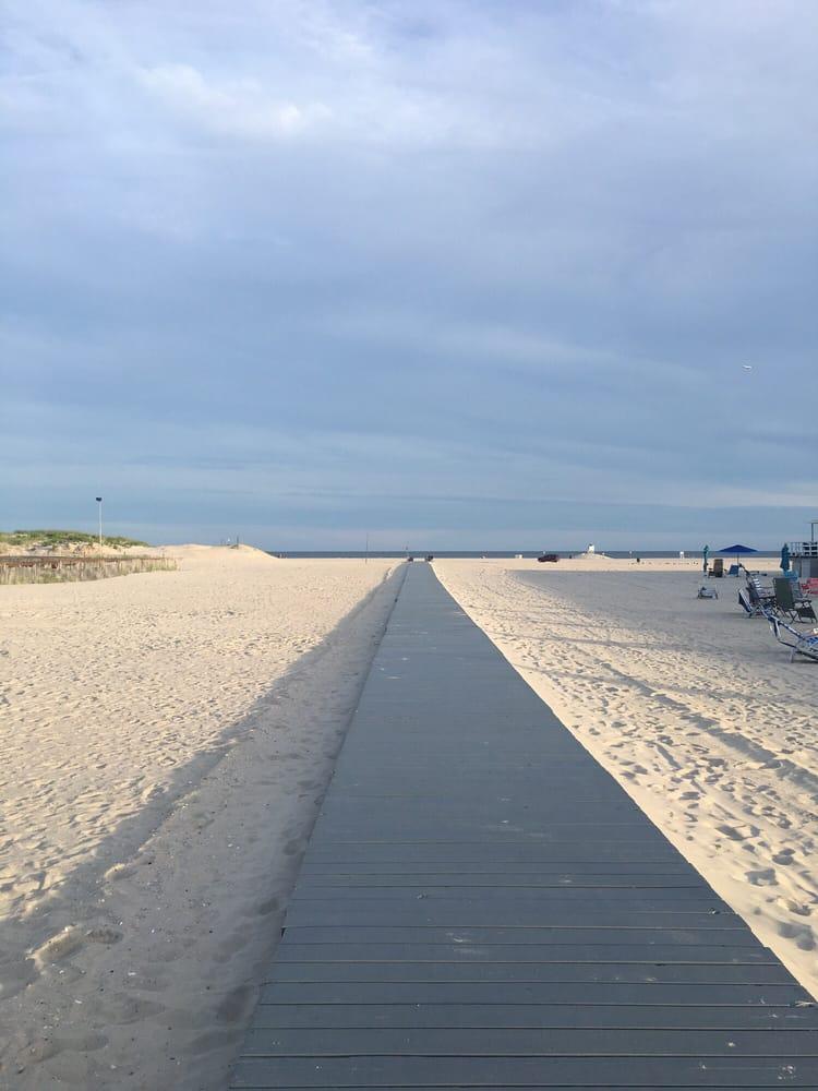 Silver Point Beach Club: 2189 Atlantic Blvd, Atlantic Beach, NY