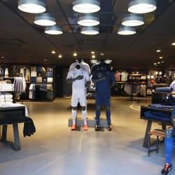 boutique fff v tements de sport 87 bd de grenelle vaugirard grenelle paris num ro de. Black Bedroom Furniture Sets. Home Design Ideas
