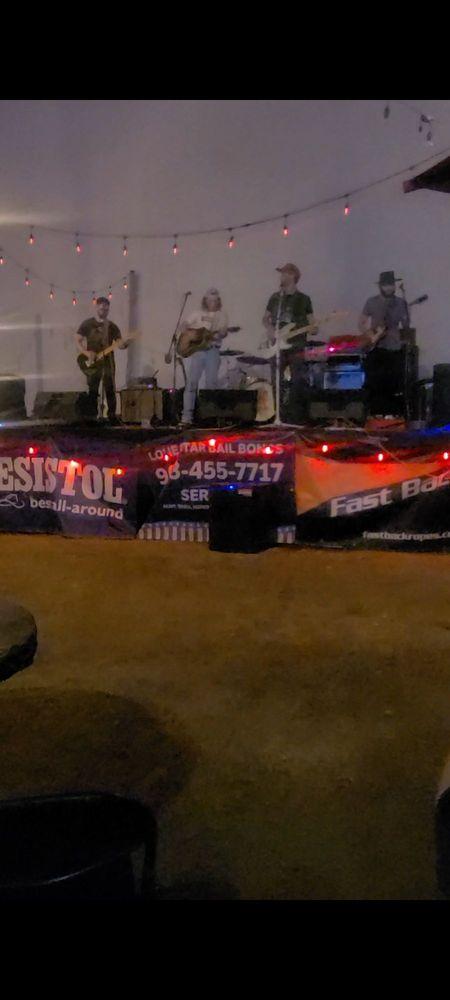 Empty Glass SteakHouse & Saloon: 2808 Lee St, Greenville, TX
