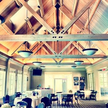 Photo Of Oswego Lake Country Club   Lake Oswego, OR, United States.  Clubhouse