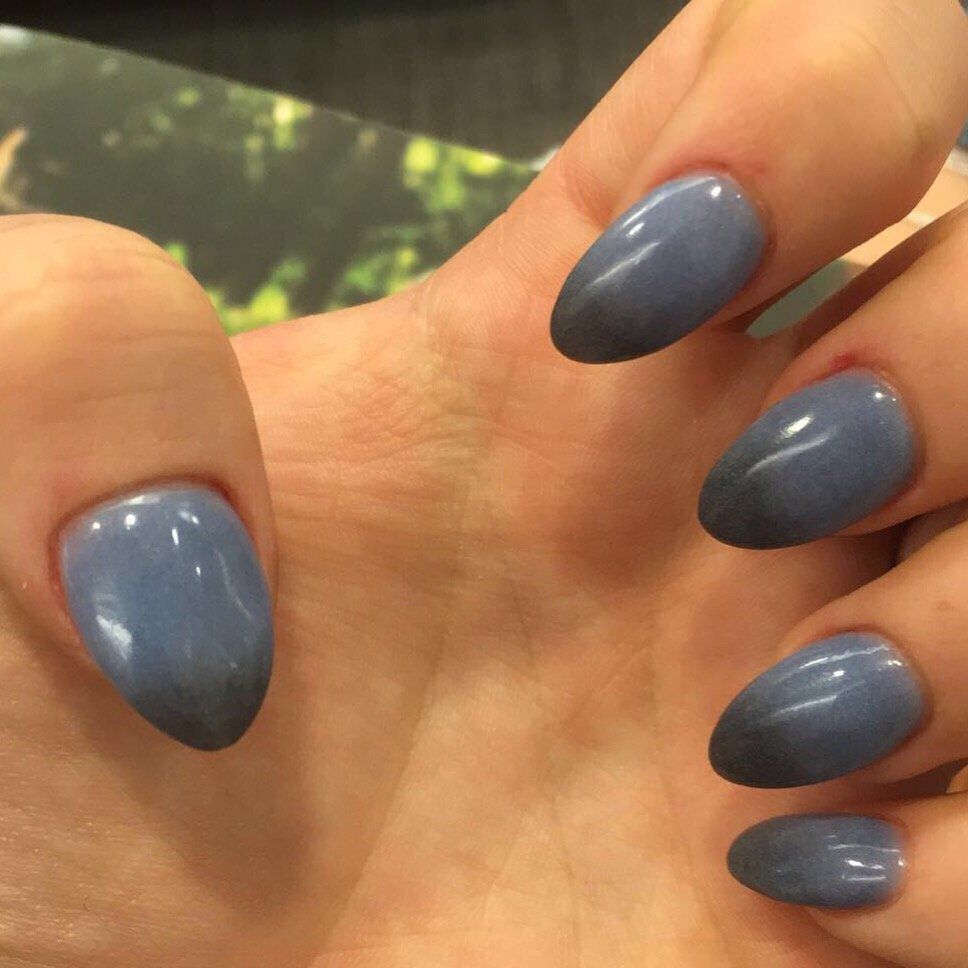M14 mood changing powder dip manicure. When hot, gray-blue when cold ...