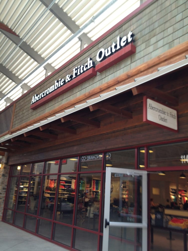 Abercrombie & Fitch: Tanger Outlet Center Of, Lake Delton, WI